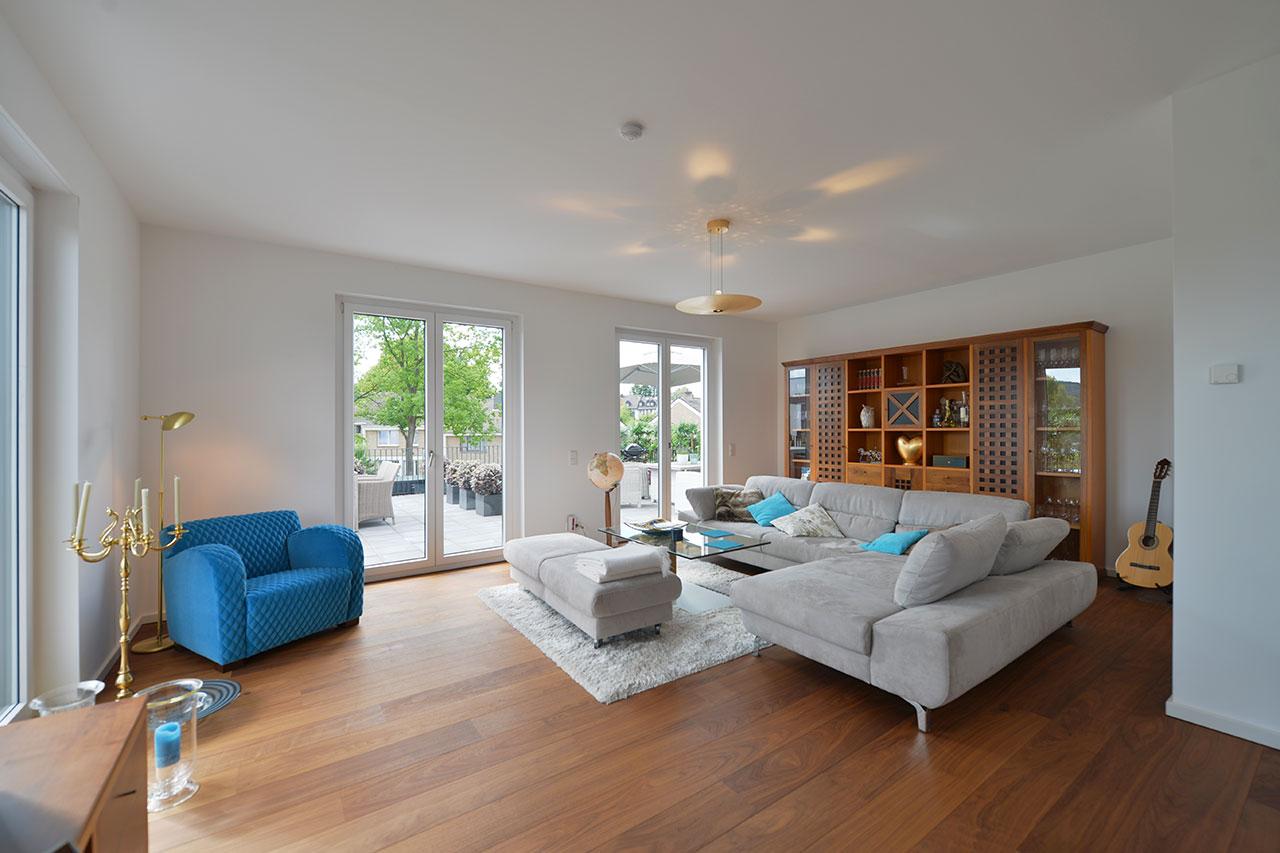 eupener stra e exklusive wohnung im aachener s den mit beeindruckendem ausblick. Black Bedroom Furniture Sets. Home Design Ideas